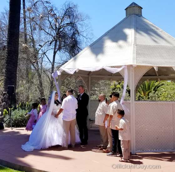wedding officiant performing a wedding ceremony Los Angeles