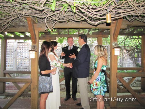 Officiant Guy, a wedding officiant in Los Angeles, helps couples with an Southern California garden wedding and issues CA marriage licenses as well