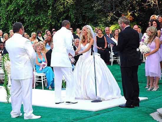 Officiant Guy, a wedding officiant in Los Angeles, married Kendra Wilkinson and Hank Baskett